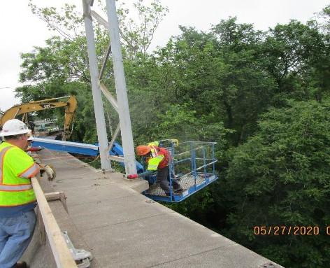 Removing Sign Structures, South Bridge.