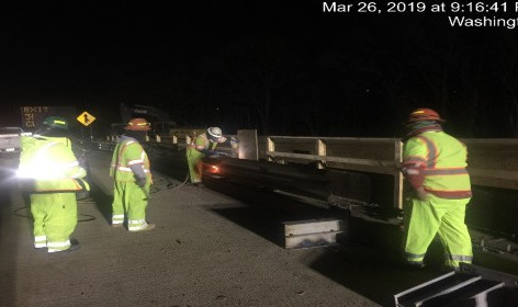 Removing guiderails on NB-295, right of Baseline