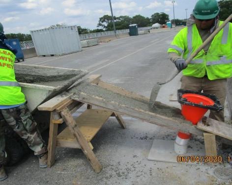 Placing SCC Concrete at Pier 3 Pedestal, South Bridge.
