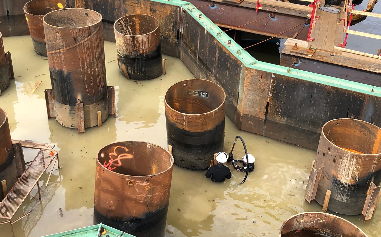 Marine Divers Seal Pier 2 Footings.JPG
