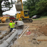 """Installing 18"""" RCP end section between I-295N and I-295S."""