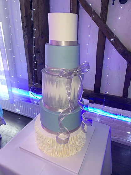 Elliott and Nikkis wedding cake.jpg