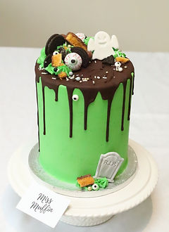 Halloween Cake.JPG