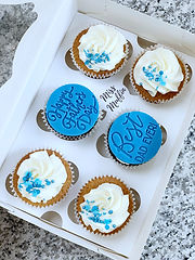 blue mens cupcakes fathers day cupcakes.