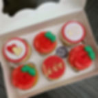 Valentines Day Cupcakes Red .jpg