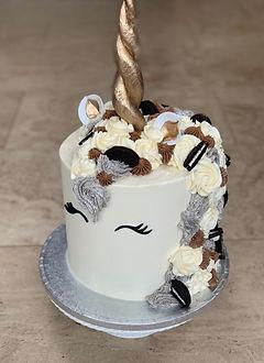 oreo unicorn cake.jpg