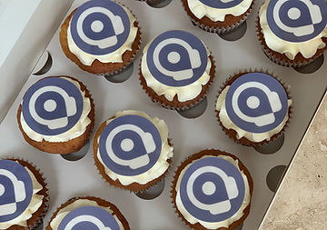 logo cupcakes 334.jpg