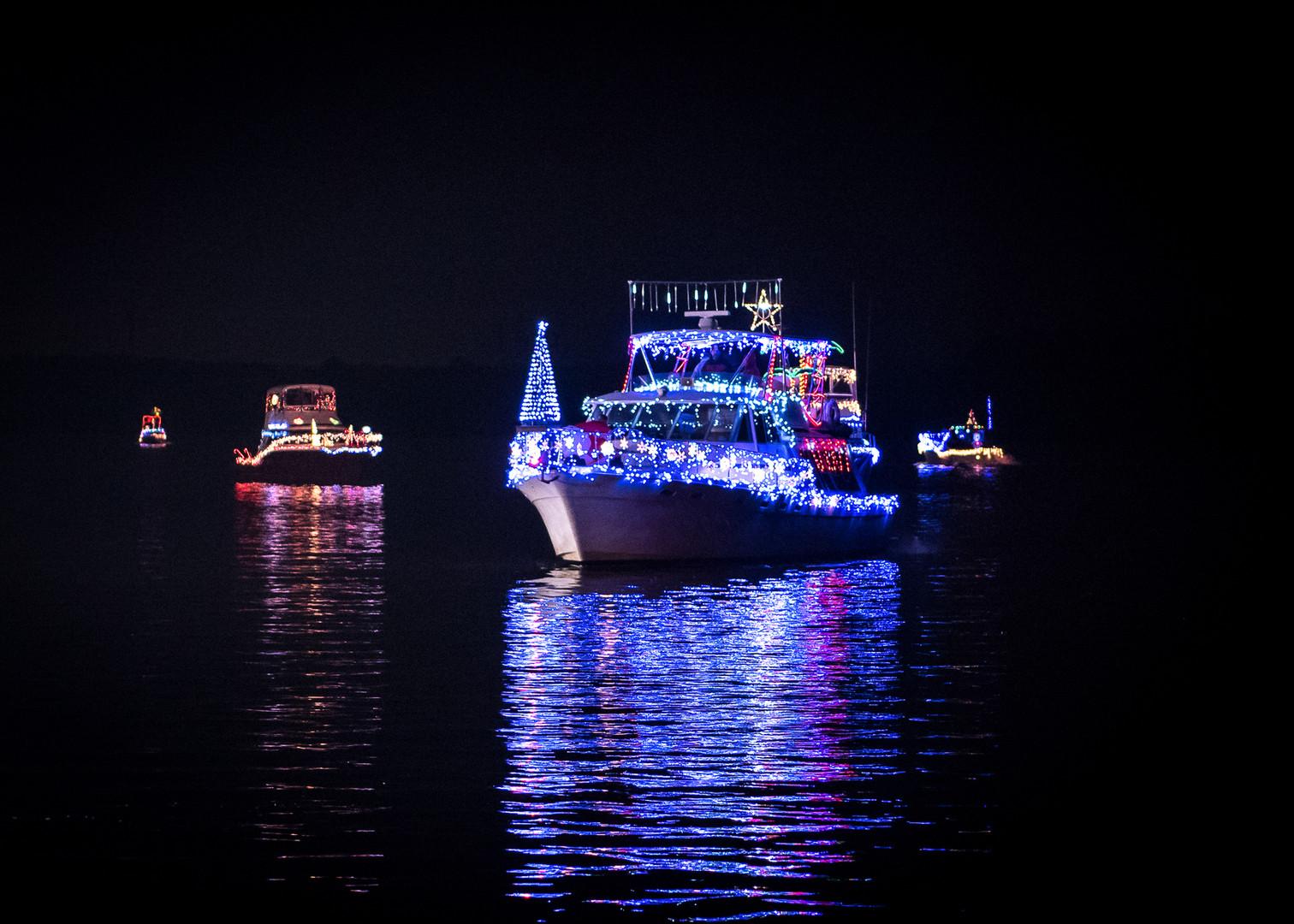 2017 - Hopewell Holiday Boat Parade - Hi
