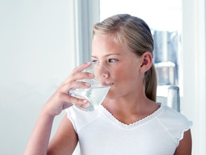 Wasser trinken macht gesund und schlank!