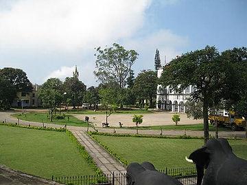 Madikkeri_fort_grounds.jpg