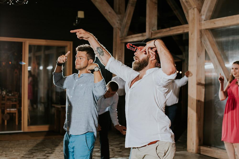 Oczyszczalnia Miejsce, plener w dniu ślubu, ślub w Oczyszczalni, wesele w Oczyszczalni, rustykalne wesele, boho wesele Warszawa, slow wedding Warszawa, slow wedding Oczyszczalnia Miejsce, piękna sala na wesele pod Warszawą, wesele w naturze, slow wedding, fotograf Warszawa, rustykalny fotograf ślubny, plener poślubny, zimne ognie, reportaż ślubny Oczyszczalnia Miejsce