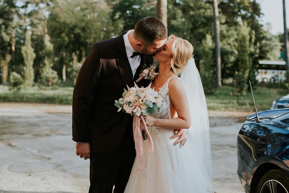 sala bankietowa raj, rustykalne wesele, fotograf warszawa, karolina roszak, najpiękniejsze zdjęcia ślubne, wesele warszawa, fotograf ślubny warszawa, wesele w 2020