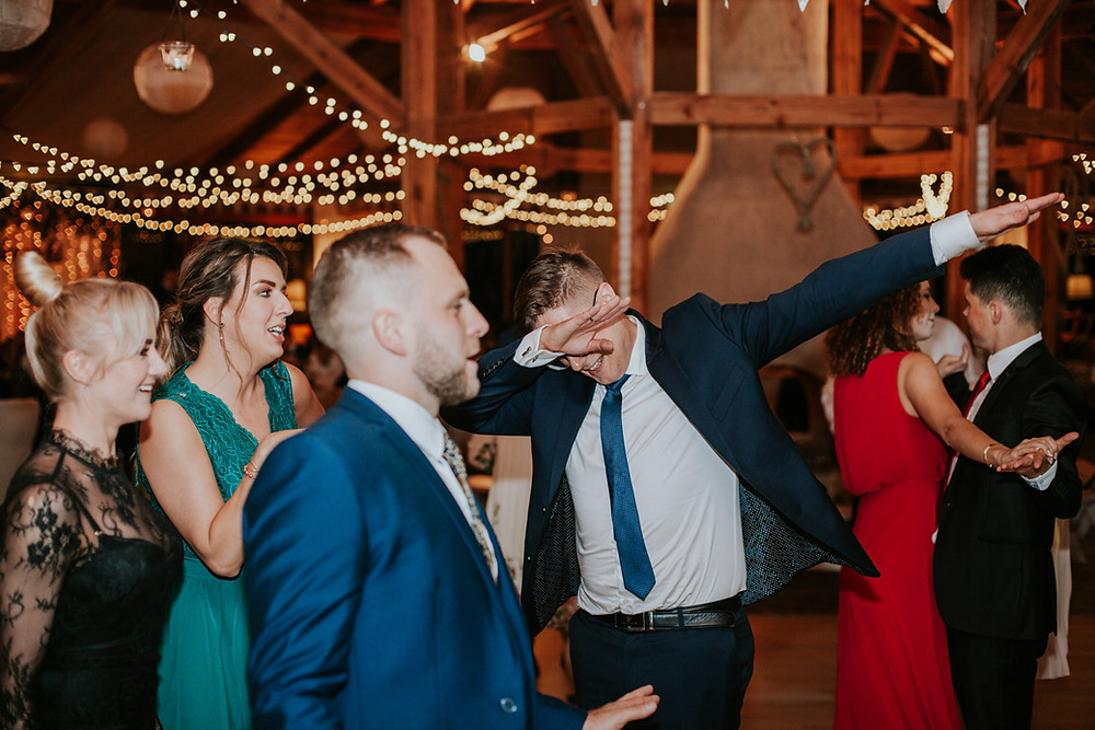 Górki Zielone, wesele w Górkach Zielonych, wesele Górki Zielone, ślub i wesele Górki Zielone, fotograf ślubny Warszawa, reportaż ślubny Górki Zielone, rustykalne wesele, suknia ślubna
