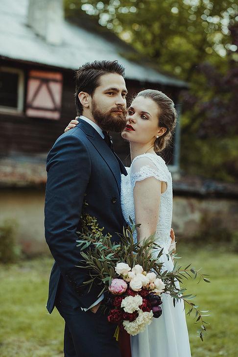 naturalny ślub, rustykalny ślub, fotograf ślubny warszawa, para młoda, bukiet ślubny, ślub w plenerze, reportaż ślubny