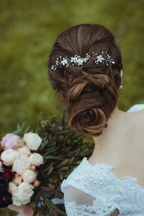fryzura ślubna, rustykalny ślub, fotograf ślubny warszawa, para młoda, bukiet ślubny, ślub w plenerze, reportaż ślubny