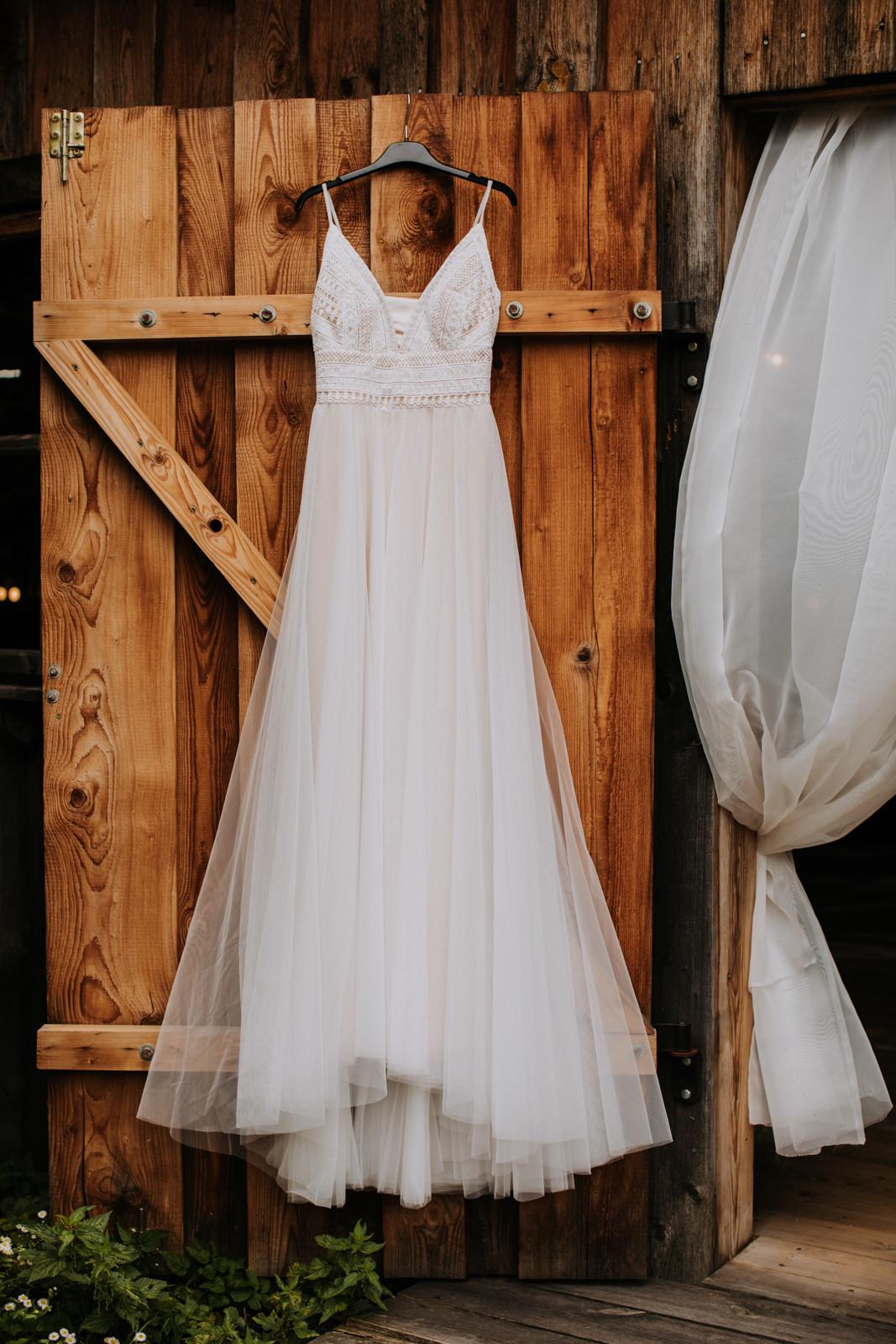rustykalne wesele suknia ślubna