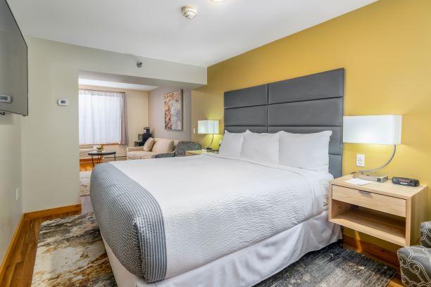 Main Inn -- One King Suite
