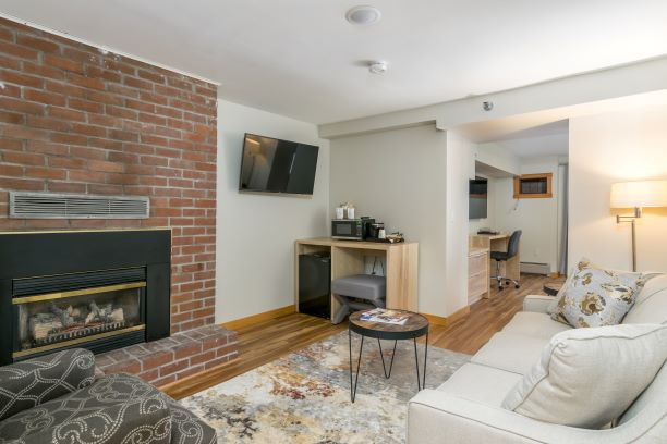 Main Inn -- One King Suite with Fireplace