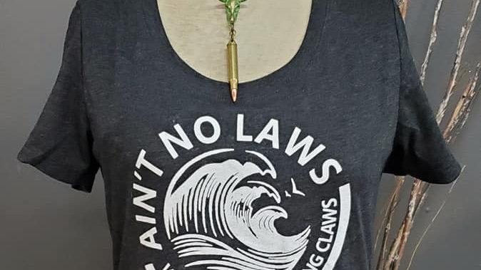 Women'sNo Laws Tee