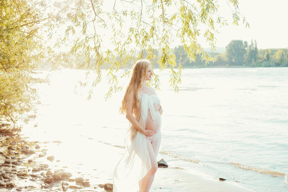 Babybauch Schwangerschaft Fotoshooting Mainz Wiesbaden