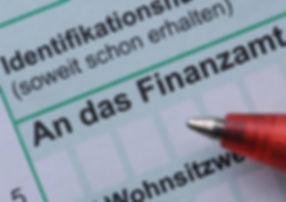 steuererklaerung-formular-symbolbild.jpg