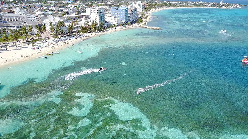 Playa de Spratt Bight - Cooperativa.JPG