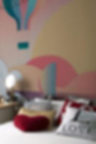 carta da parati, come posare carta da parati, tappezziere carta da parati, genova, italia, 2019, tappezzeria muro, design grigio, beige, minimal, shabby chic, disegni geometrici, fiori grandi grigi, legno, ferro, mobili ferro, mobili vintage, vintage style, vecchio, rivestimenti murali, pittura, spatolato, colore per muro