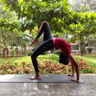 Eka Pada Chakrasana / Wheel Pose