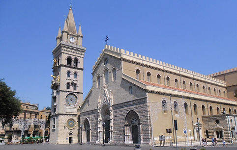 Vista esterna del Duomo di Messina