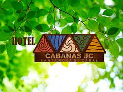 Cabañas_JC_logo_fondoVERDE