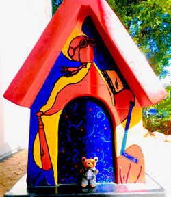 L.B. Visiting Snoopy's House