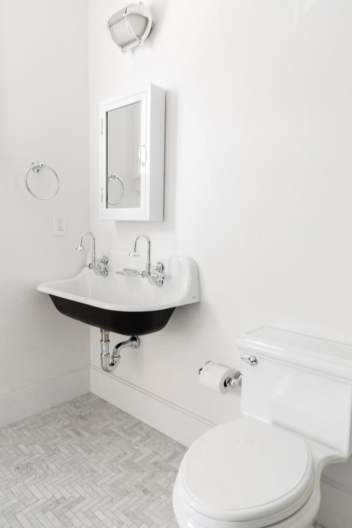 Lalique Pointe Boys Bathroom