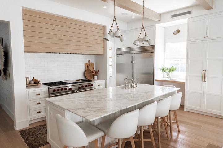 Lalique Pointe Kitchen Island