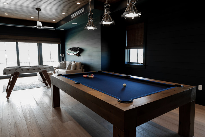 Lalique Pointe Pool Table Room