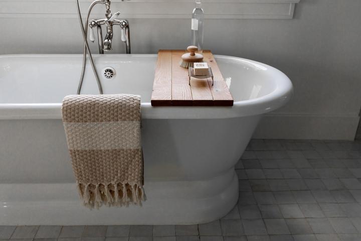 Lalique Pointe Bath