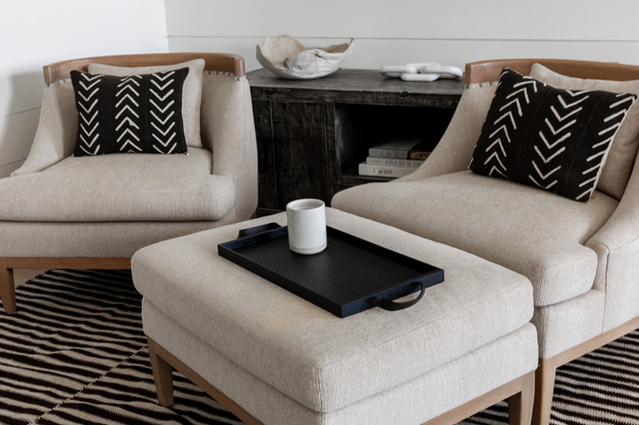 Lalique Pointe Den Seating
