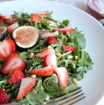 Spinach & Strawberry Salad w/Fig Vinaigrette
