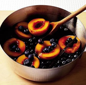 Balsamic Blueberries & Peaches