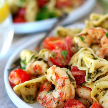 B & V Tortellini Pasta Salad with Shrimp, Spinach, and Tomatoes
