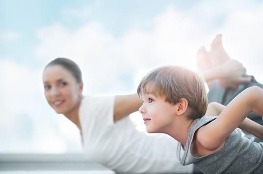 1000x1000_yoga-parent-enfant_j8rk6_15667