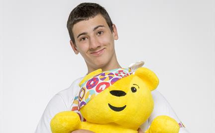 Team-Rickshaw-2014-member_2c-Matthew-with-Pudsey-Bear_432_0_0_466_3329_2530.jpg