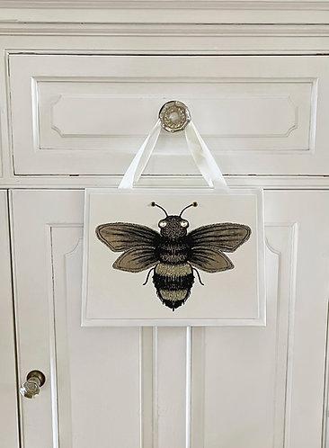 GGB155 - BEAUTIFUL BEE