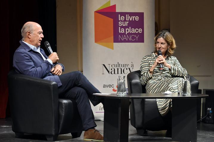 Un entretien entre Pauline Dreyfus, lauréate du Goncourt de la biographie Edmonde Charles-Roux, et Pierre Assouline au Livre sur la Place 2021 à Nancy
