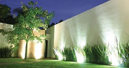 jardin-iluminacion-led-800x510_edited.jp