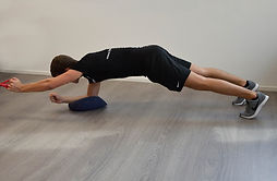 Plank_row_deel_1__Monné_Zorg_&_Beweging