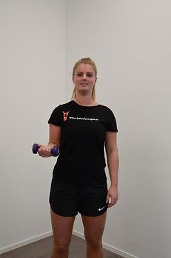 Biceps curl deel 2  Monné Zorg & Bewegi