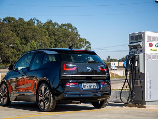 BMW vai instalar 40 pontos de recarga para carros elétricos no país