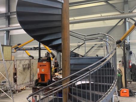 Stairway to....  nå med rekkverk