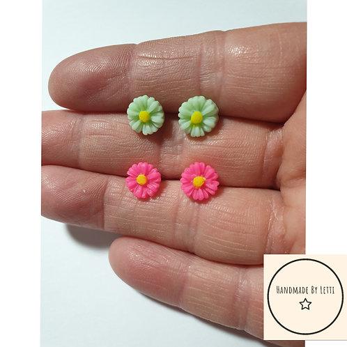 Mini daisy flower stud earrings/ set of 2 / various colours resin