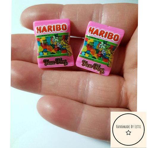 Hug sweets stud earrings / resin /pink